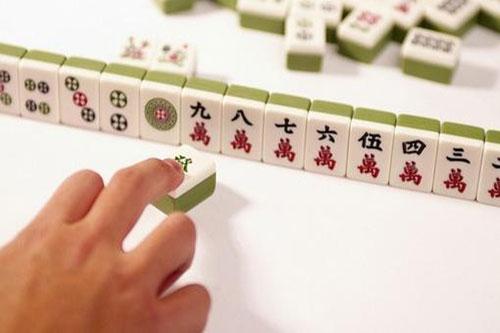 打麻将换三张赢牌技巧